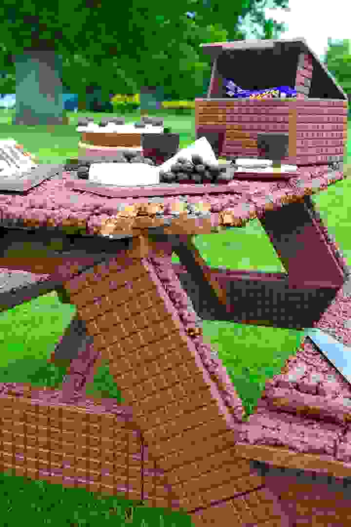 Chocolate Picnic Bench
